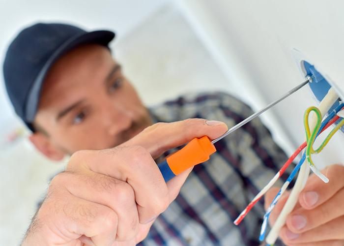 Travaux-de-rénovation-électrique